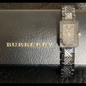 Burberry Ladies Swiss Quartz Ceramic Watch